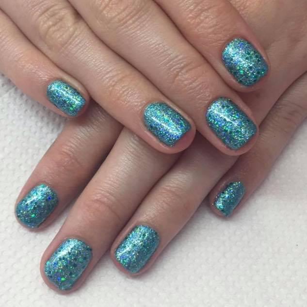 Tantalising Turquoise Nails